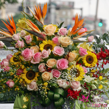 Birthday flowers gifts free delivery in Hanoi
