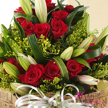 Birthday flowers home delivery in Hanoi free shipping