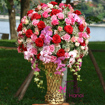 Luxury flowers for congratulations in Hanoi