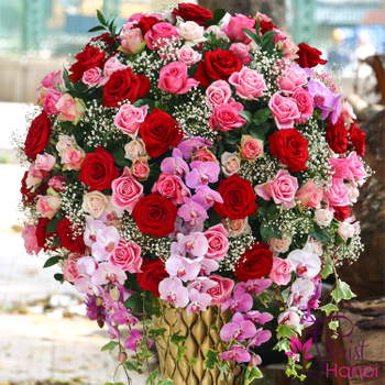 Luxury flowers for congratulations at Florist Hanoi