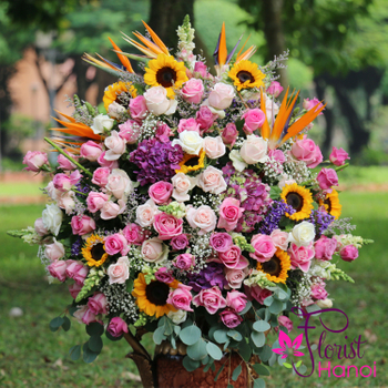 Luxurious flower delivery Hanoi