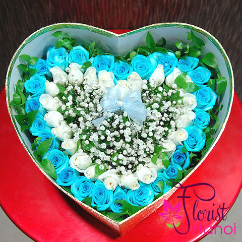 Blue rose bouquet delivered