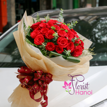 Classic red roses in Florist Hanoi free shipping