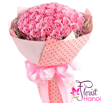 99 pink roses bouquet in Vietnam