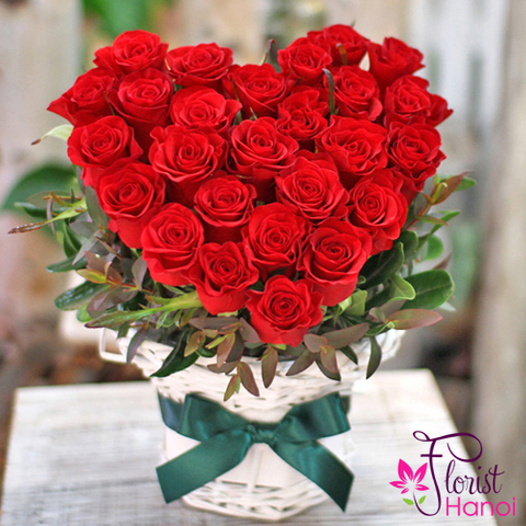 Red roses heart shape