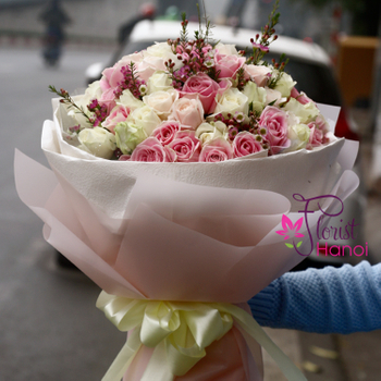Beautiful bouquet of roses in Hanoi