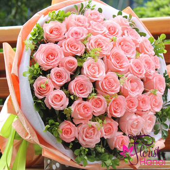 Pink roses bouquet for birthday