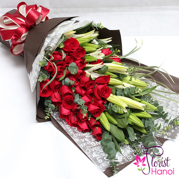 Bouquet white lily and red rose in Hanoi