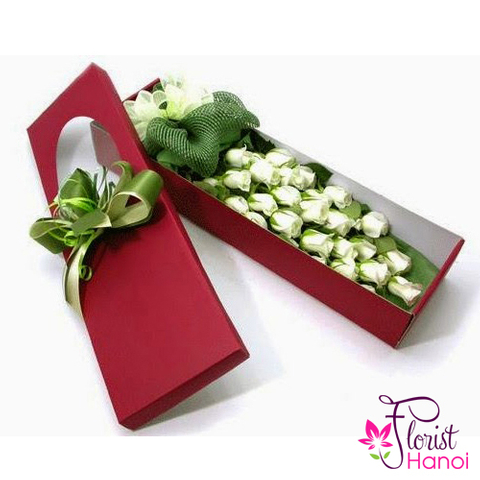 Box of white rose