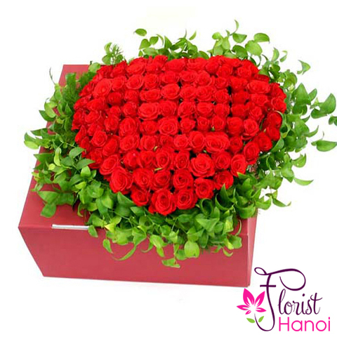 Heart red rose box free delivery