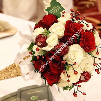 DELIVERY WEDDING BOUQUET IN HANOI