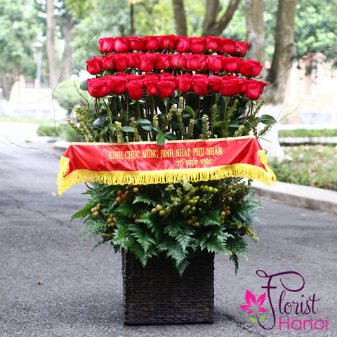 Send beautiful red roses to Hanoi