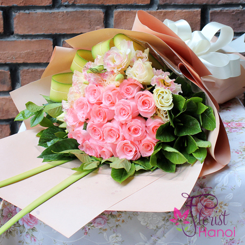 Congratulation for birthday with flowers