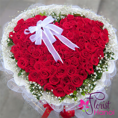 Beautiful heart shape flower arrangement