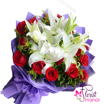 Bouquet of white lilies and red roses in Vietnam