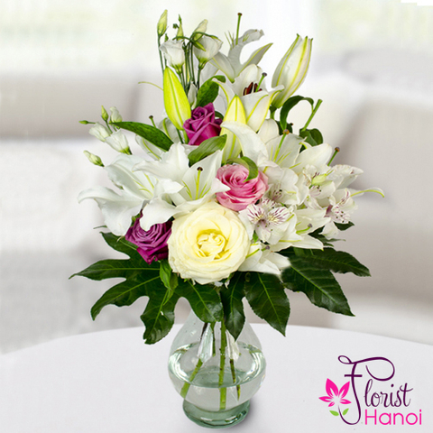 Flowers in vase free delivery
