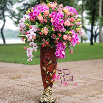 Hanoi congratulation flower arrangement luxury vase