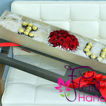 Valentine's day flower and chocolate gift box