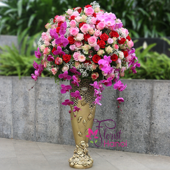 Hanoi VIP flowers with luxury vase