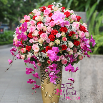 Hanoi VIP flowers with luxury vase beauty