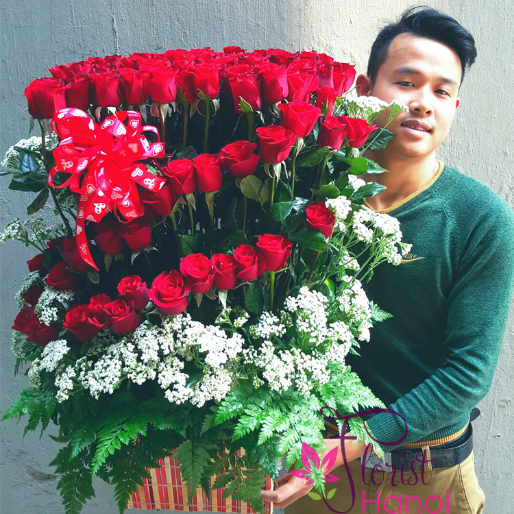 beautiful 99 red roses in hanoi
