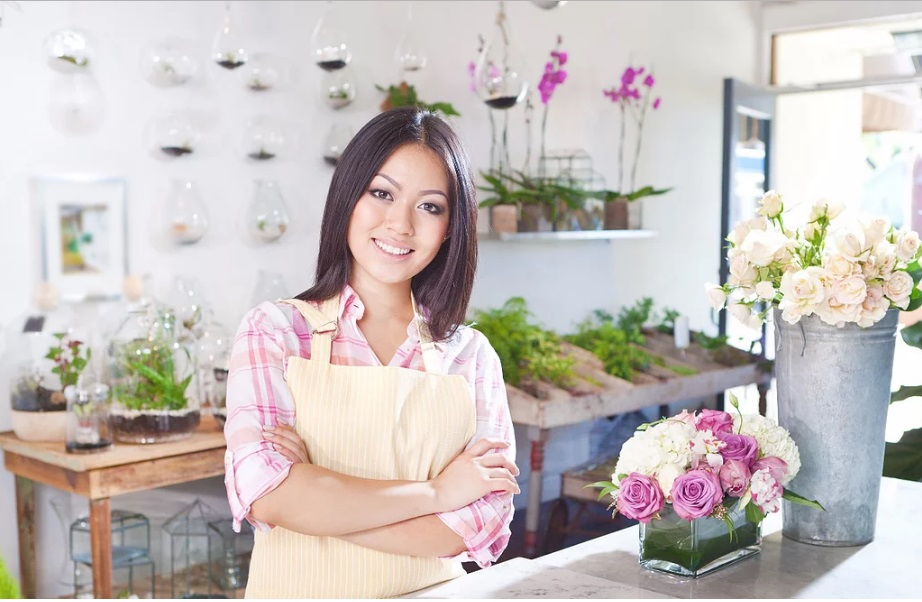 Ms Hoa - Leader of Florist Department