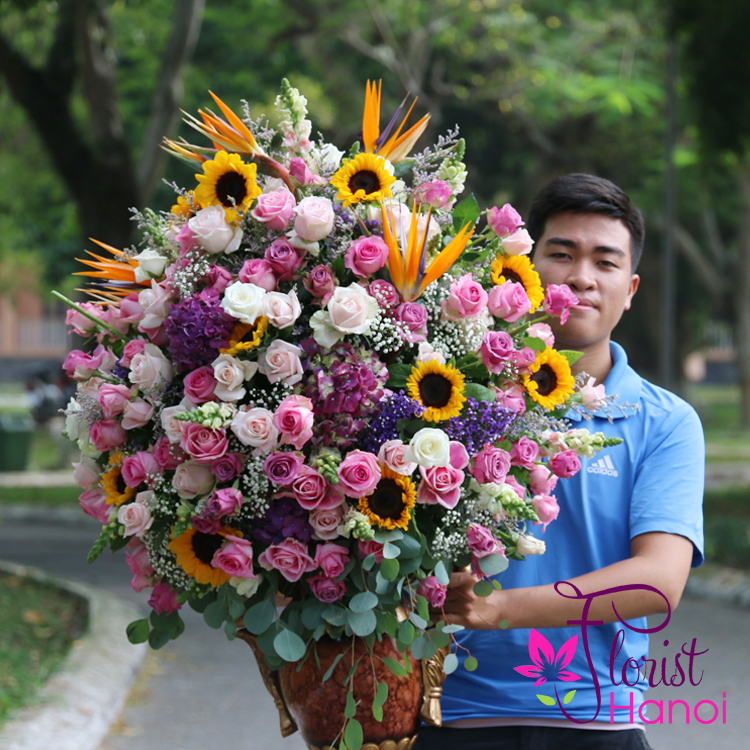 luxurious flowers in Hanoi free shipping