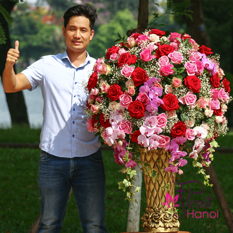 Luxury flowers for congratulations in Hanoi free shipping