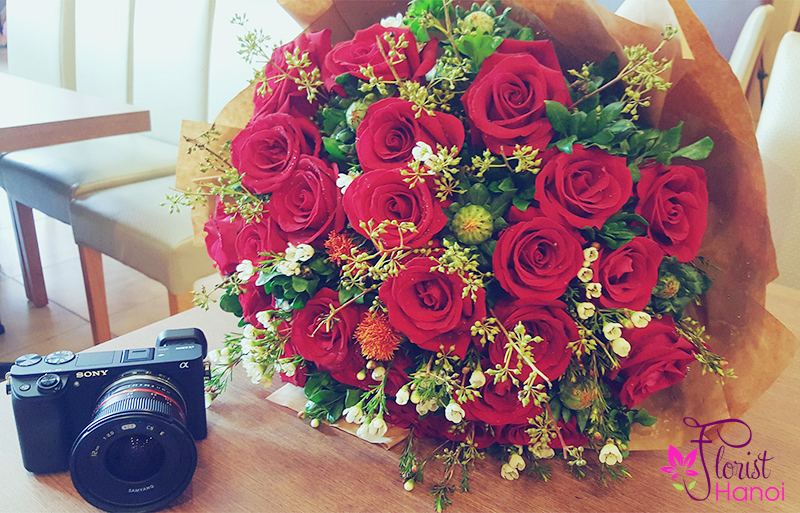 Send red christmas bouquet to Hanoi