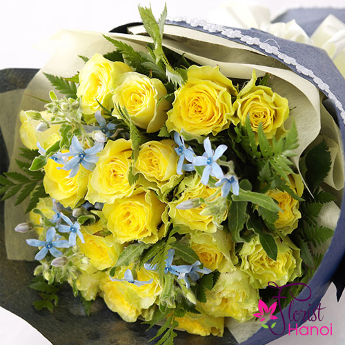 Beautiful yellow roses for birthday